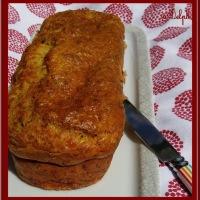 Cake salé aux courgettes, poulet colombo et comté