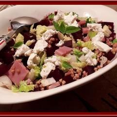 Salade de betterave rouge, sarrasin et chèvre frais