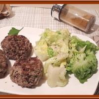 Les qoftë (boulettes de boeuf haché)
