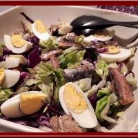 Salade de chou rouge aux sardines et œufs durs