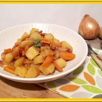 Carottes et pommes de terre aux lardons