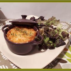 Clafoutis aux oignons, champignons et saumon