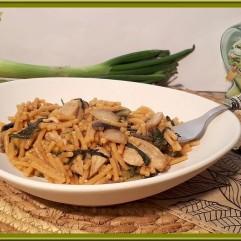 One pot pasta aux aiguillettes de poulet, blettes et champignons