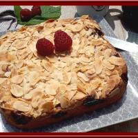 Gâteau moelleux aux framboises et amandes