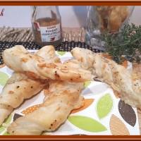 Torsades au fromage, thym et piment d'Espelette
